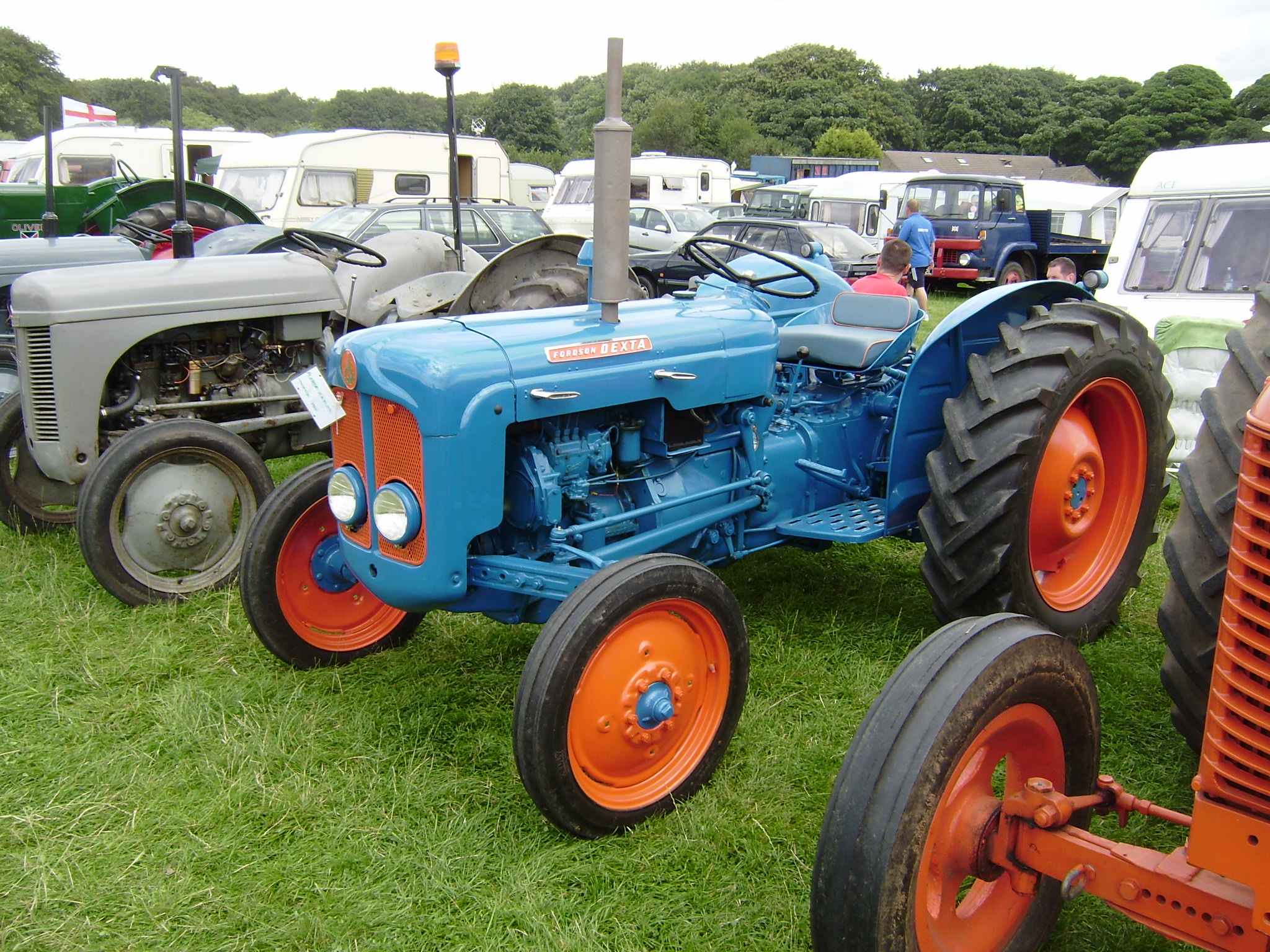 together with Blue Red Fordson Major Farm Tractor Exk J in addition Fordson Major Tractor Turning Hay With Traditional Wheel Rake C Mrhm furthermore Fordson Major Lower Lift Arm Check Chain P likewise Maxresdefault. on 1958 fordson major tractor