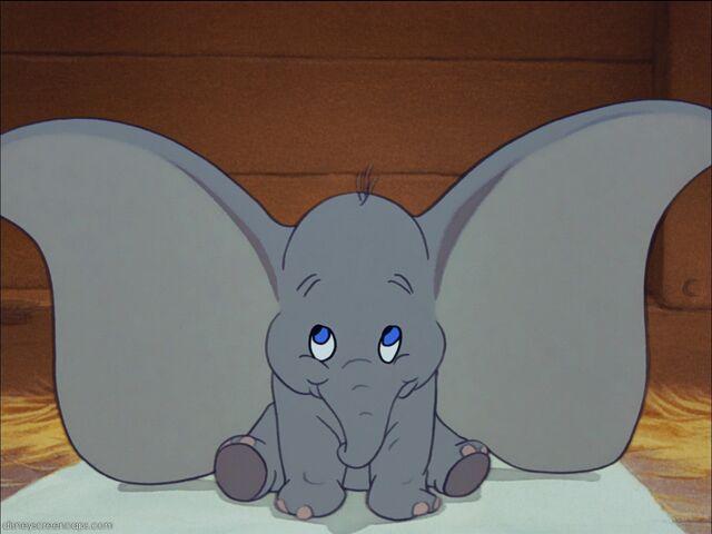 640px-Dumbo-disneyscreencaps.com-908-1-.