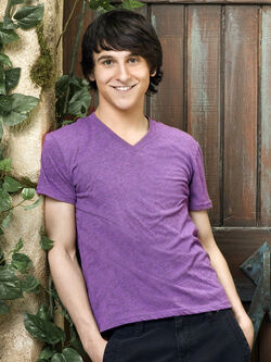 Pair-of-kings-mitchel-musso-1 (1)