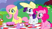 Fluttershy Rarity Pinkie Pie listening S2E25