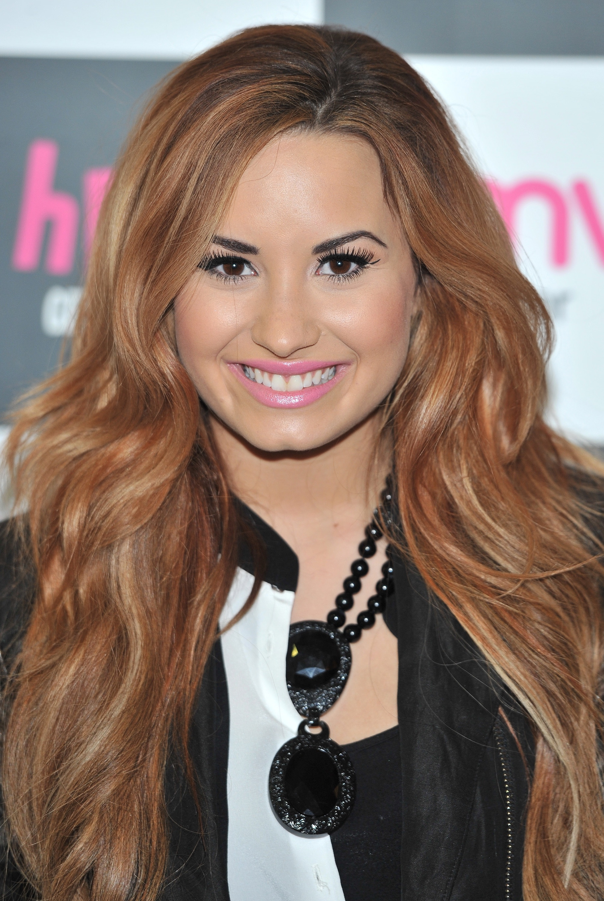 http://static1.wikia.nocookie.net/__cb20130710195043/gameshows/images/6/6d/Demi-lovato-x-factor.jpg