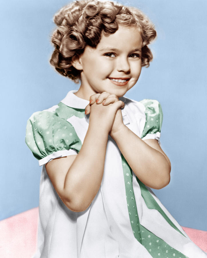 http://static1.wikia.nocookie.net/__cb20131130195655/disney/images/d/d4/Shirley-temple-ca-1936-everett.jpg