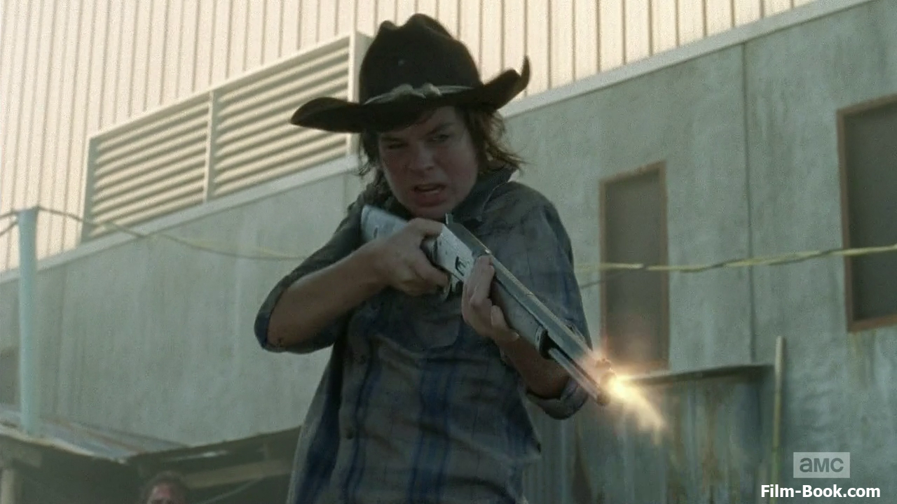 http://static1.wikia.nocookie.net/__cb20131205173718/walkingdead/images/c/c1/Chandler-riggs-the-walking-dead-too-far-gone-01-1280x720.png